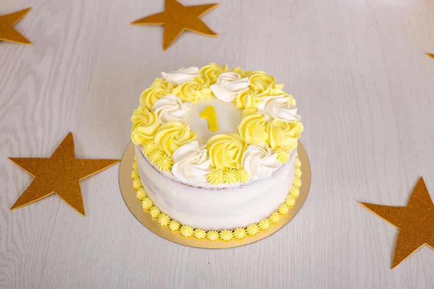 Tarta cake smash primer cumpleaños