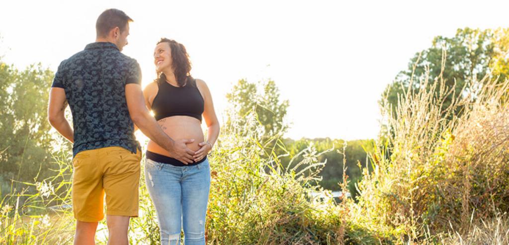 sesión-de-embarazo-en-exterior